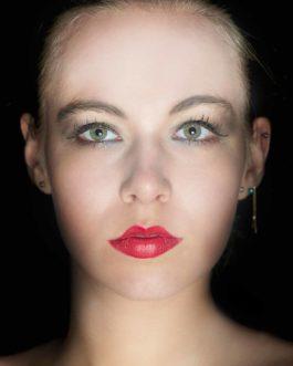 Blonde Frau Portrait 4